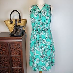 Elle Green V-Neck with Tie Sleeveless Floral, M